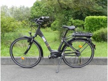 Vélo électrique E-CITY Bosch N7 - 300 W-taille 45- Déstockage