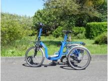Tricycle Pliant R32 bleu adulte électrique - modèle de démonstration